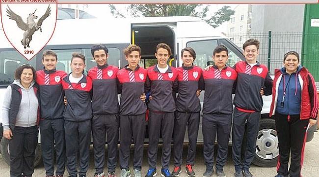 Bigalı yıldız atletler kulüplerarası Türkiye Şampiyonası`nda