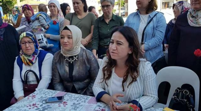 AK PARTİ İL KADIN KOLLARI BAŞKANI'NDAN BİGA ZİYARETİ