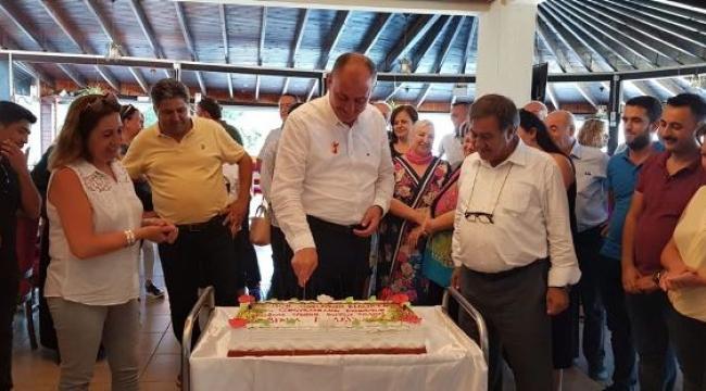 Doğum günü pastasında o sloganı kullandılar