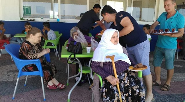 Huzur evi Sakinleri Aksaz Halk Plajında Buluştu