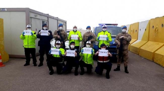 Jandarma Ve Bölge Trafik Ekiplerinden ''EVDE KAL'' Çağrısı