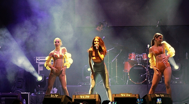 Otilia'dan Biga'da muhteşem konser