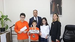 İlçe Milli Eğitim Müdürü Erkan BİLEN başarılı sporcuları ödüllendirdi