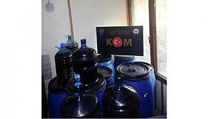 Biga''da bir evde, 1.5 ton sahte şarap ele geçirildi.
